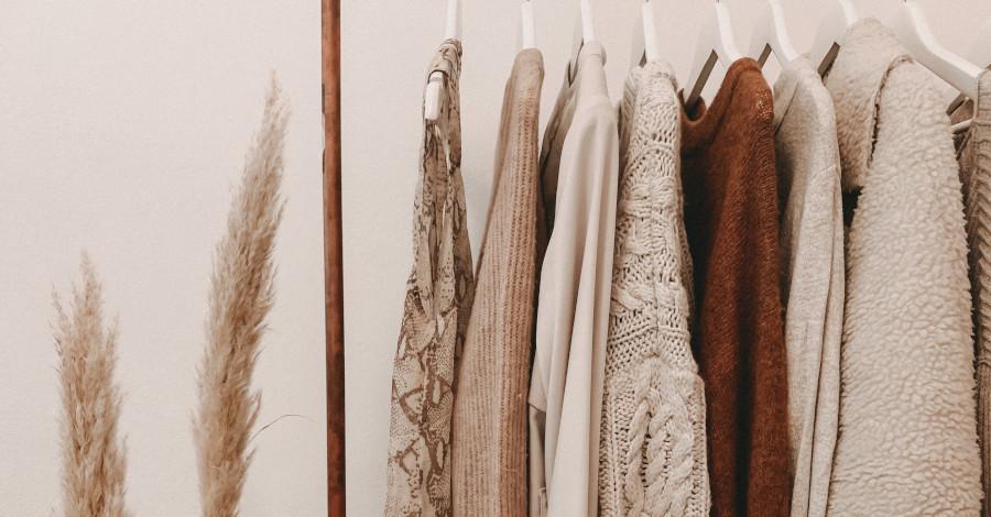 Aké elegantné kúsky by ste mali mať v šatníku?